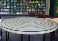 bibliotheek Maaseik leeszaal tafel Leo Klein